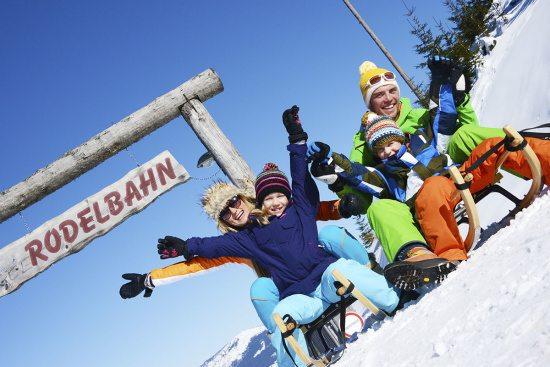 Winterurlaub in Abtenau - Landhaus Oberlehen - Rodeln